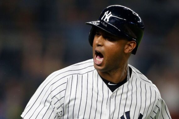 Aaron Hicks Should Be Focused on Staying Healthy, Not Hitting Home Runs