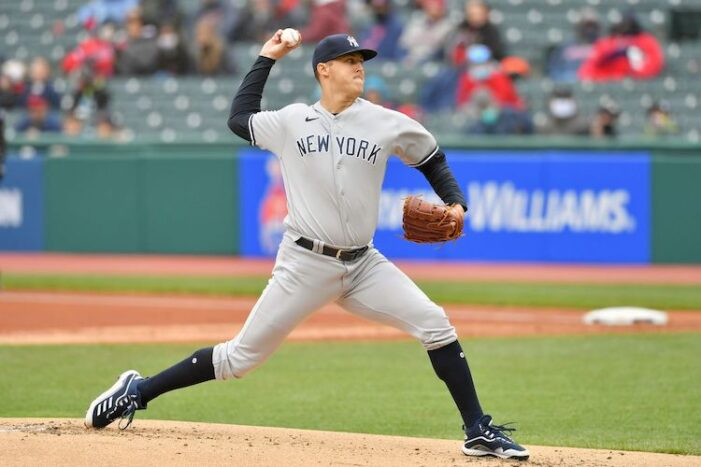 Yankees Podcast: Gave Away Game on Getaway Day